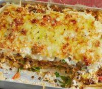 Lasagne Beluga-Linsen mit Wirsing und Tomaten