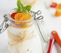 Panna cotta aus Ziegenkäse mit Tomatenconfit